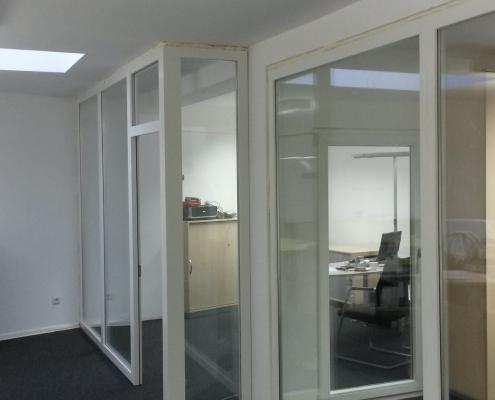 Raumtrenner im Bürokomplex