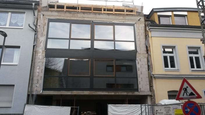 Eingebaute Echtholzfenster